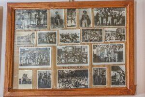 Muzeum ''Stara Chałupa'' w Milówce. W małym budynku można obejrzeć stare fotografie.