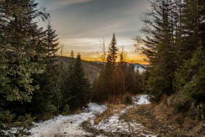 Zachód słońca nad górami Worka Raczańskiego.