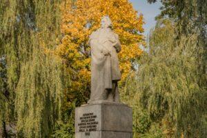 Pomnik Adama Mickiewicza w Bielsku-Białej.