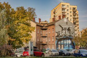 Mural ''Sowa'' na ścianie budynku ul. Sempołowskiej 1.