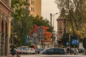 Widoczna jest między innymi kamienica przy ul. Sempołowskiej 1.