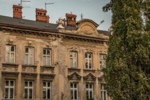 Kamienic czekających na remonty w Bielsku-Białej jest bardzo dużo...