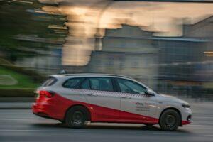 Biało-czerwone OKAY-TAXI to moim zdaniem najlepsze taksówki w mieście. :)