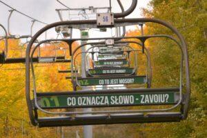 Takie zagadki na kolei linowej na Mosorny Groń w Zawoi.
