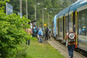 Przystanek kolejowy Rajcza Centrum.