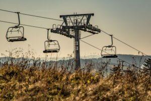 Kolej kanapowa ośrodka narciarskiego Zwardoń Ski.